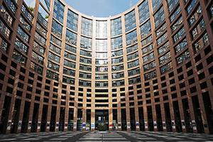 Parlamento do Reino Unido instiga o grupo das Big Four à desmembramento forçado no escopo de seus serviços